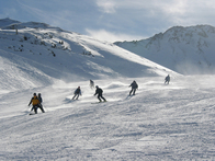 4 Tips to Avoid Skiing Accidents