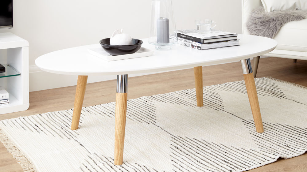Scandinavian_style_table_for_living_room